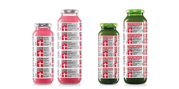 So sehen Sieger aus (und Zweitplatzierte)! Zu Beginn des Jahres 2021 benotet Stiftung Warentest unseren Green Smoothie no. 1 mit SEHR GUT (1,5) und unsersn Smoothie pink mit GUT (2,0). Wir sind stolz auf die beiden Flaschen und steckten sie deswegen direkt in die Limited Edition no. 17, natürlich ganz dezent und zurückhaltend - so wie wir eben sind.