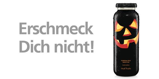 Im September 2019 bringen wir unsere erste Herbst Edition Pumpkin Spice Smoothie auf den Markt. Der Mix aus Kürbis, Banane, Apfel & einer Gewürzmischung (Ceylon-Zimt, Ingwer, Muskat, Nelken & Piment) kommt in einer schaurig-schönen Flasche samt Kürbisfratze in die Kühlregale.